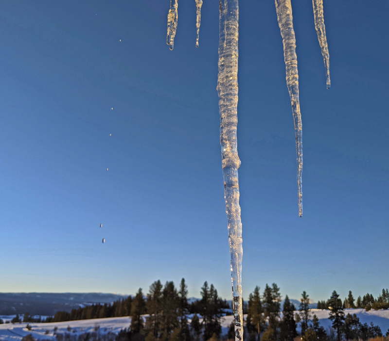 icicles, drips of water